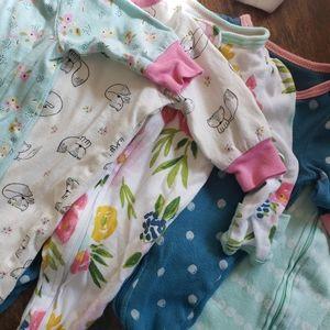 5 Newborn footie sleepers